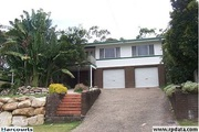 Large 5 bedrooms house on 728m2 block in Sunnybank Hills